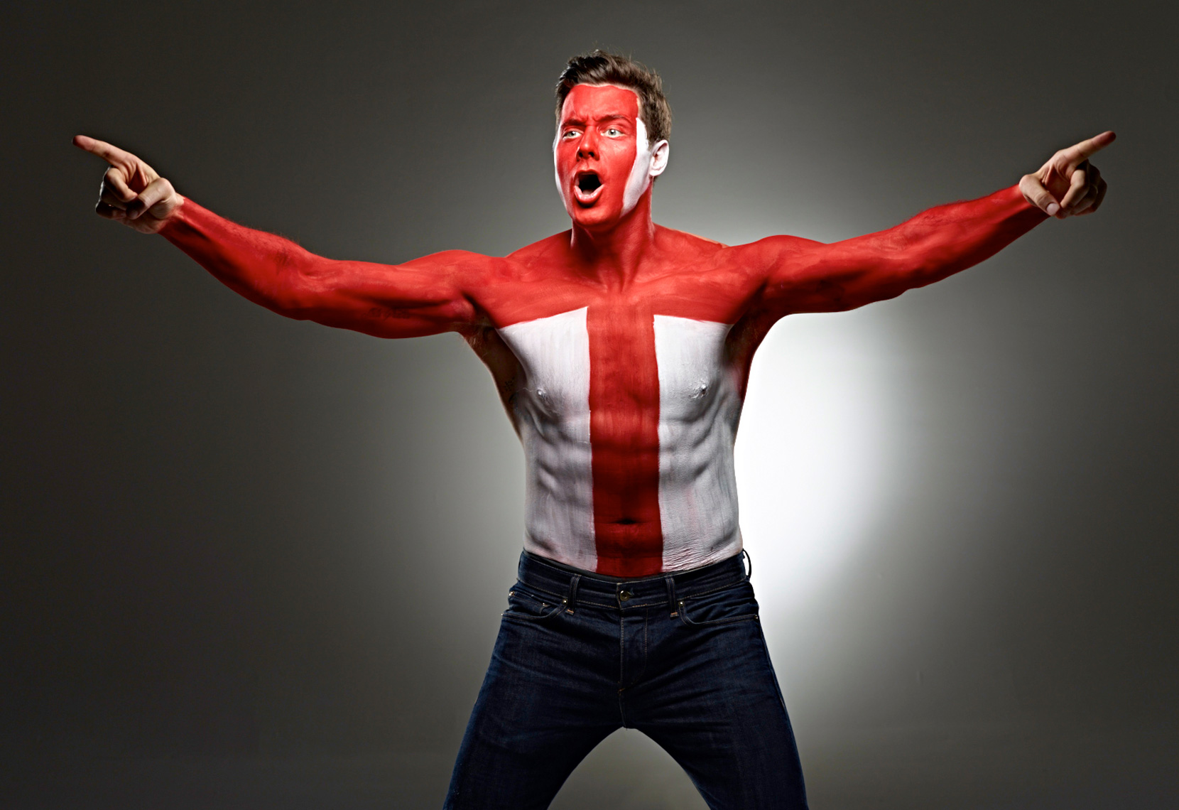 England Footbol soccer fan face paint photo by Monte Isom