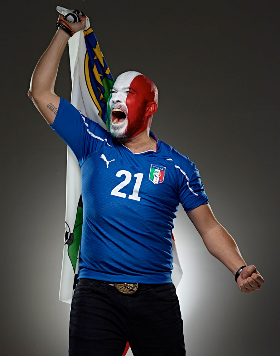 Italian Futbol soccer fan face paint photo by Monte Isom