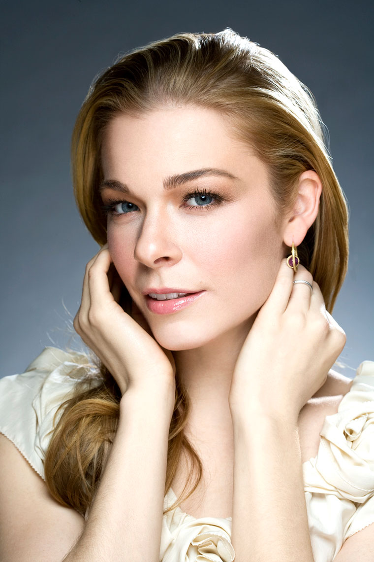 LeAnne Rimes portrait by NYC photographer Monte Isom