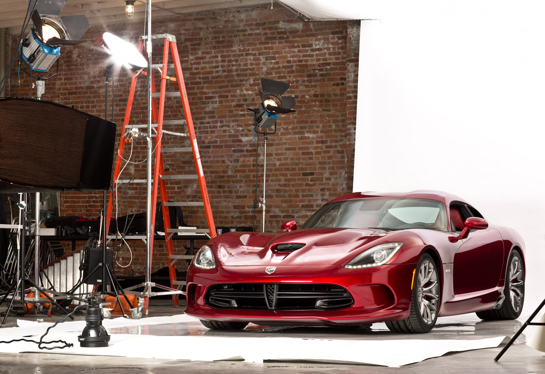 Photo of 2013 Dodge Viper for populatr mechanic.